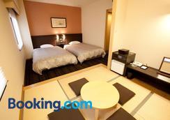 Toyama Manten Hotel - Toyama - Bedroom