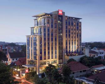 Ibis Semarang Simpang Lima - Semarang - Building