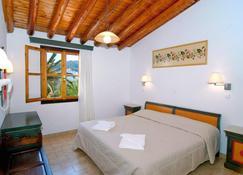 Olympia Beach Hotel - Kokkari - Bedroom