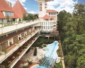 Golf Course Hotel - Kampala - Building