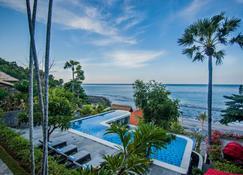 Amed Dream Ibus Beach Club - Amed - Pool