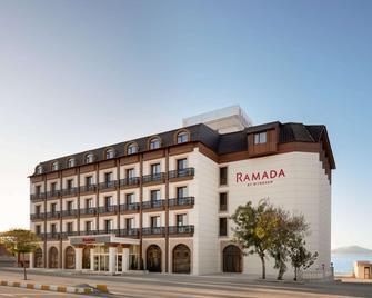 Ramada by Wyndham Van - Van - Building