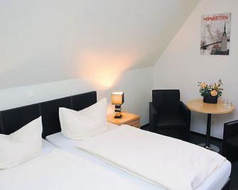 Hotel Haus Wittwer - Emden - Bedroom