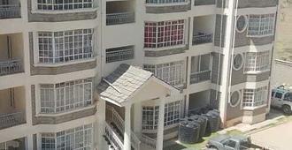 Royal Homes-Jkia - Ναϊρόμπι - Κτίριο