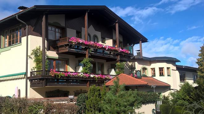 St. Peter Hotel Dietrichsteinerhof - Faak am See - Edificio