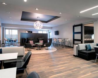 Residence Inn by Marriott Winnipeg - Winnipeg - Sala de estar