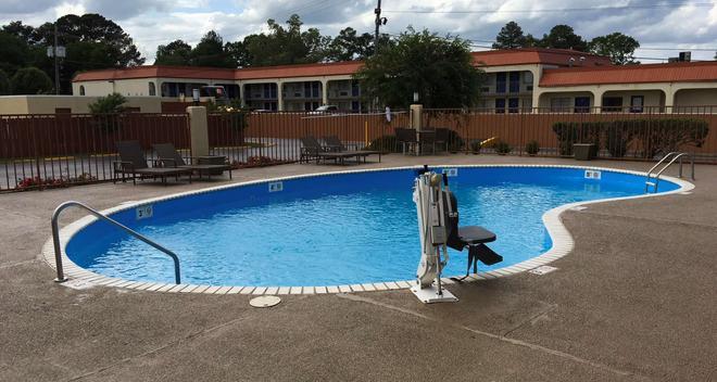 Best Western Airport Inn - Pearl - Pool