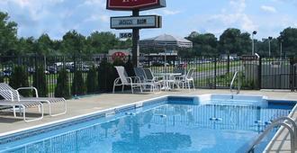 Red Carpet Inn West Springfield - West Springfield - Pool