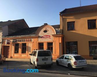 Grillbar Penzion & Restaurant - Spišská Nová Ves - Building