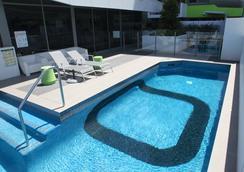 Code Apartments - Brisbane - Pool