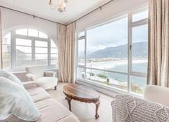 The Cove - Superior 3 Bedroom Villa - Fish Hoek - Sala de estar