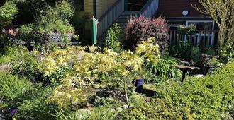 Mount Pleasant Bed and Breakfast - Vancouver - Outdoors view
