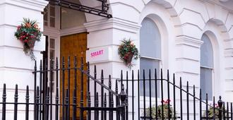Smart Russell Square Hostel - Londres - Vista del exterior
