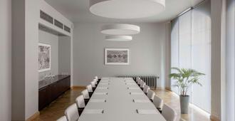 Neiburgs Hotel - Riga - Salle de réunion