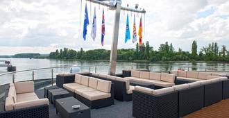 Faircruise Business Hotelship Frankfurt - פרנקפורט אם מיין - טרקלין