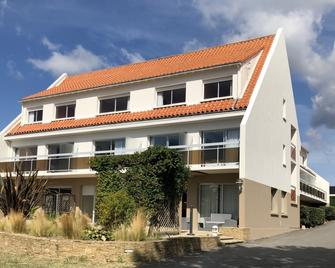 Le Rocher des Marais - Порнік - Building