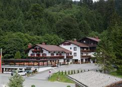 Hotel Gundl Alm - Schliersee - Gebäude