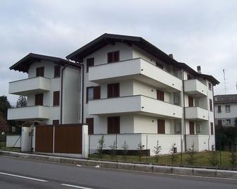 Villa Giovanna - Сомма-Ломбардо - Здание