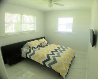 Dynamic Room - 420 Friendly - Pembroke Pines