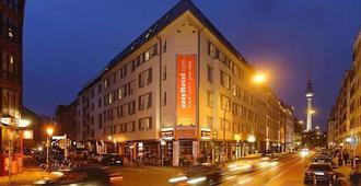 easyHotel Berlin Hackescher Markt - Berlin - Building