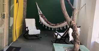 Andar Brasil Hostel - Maceió - Patio