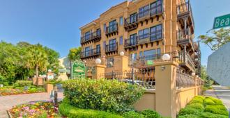 Ocean Inn and Suites - Saint Simons - Building