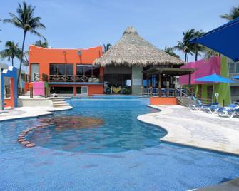 Hotel Suites Mediterraneo - Boca del Río - Piscina