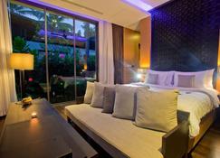 Ramada Resort by Wyndham Khao Lak - Phangnga - Bedroom