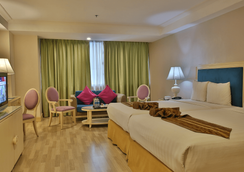 Crown Regency Hotel & Towers - Cebu City - Bedroom