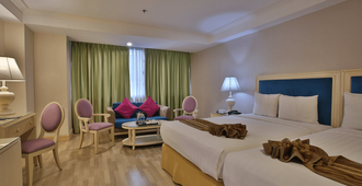 Crown Regency Hotel and Towers Cebu - Cebu City - Bedroom