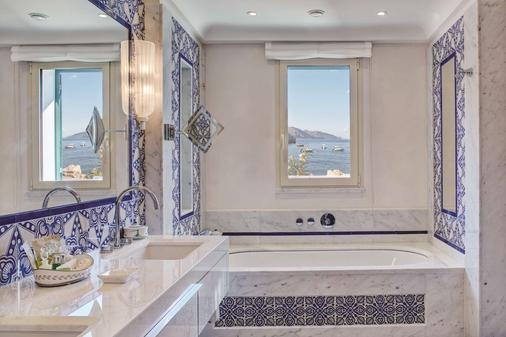 Belmond Villa Sant'Andrea - Taormina - Bathroom