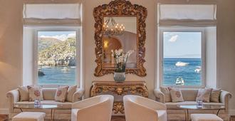 Villa Sant'Andrea, A Belmond Hotel, Taormina Mare - טאורמינה - טרקלין