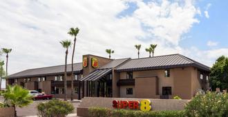 Super 8 by Wyndham Chandler Phoenix - Chandler - Building