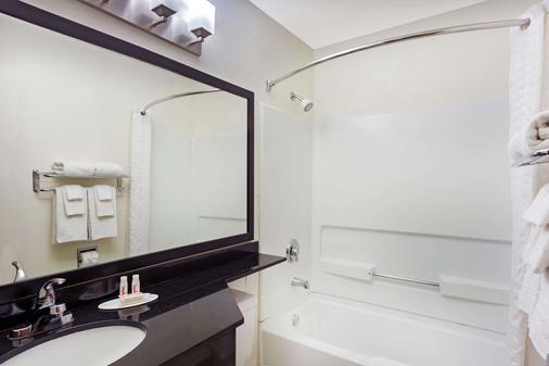 鳳凰城錢德勒速 8 酒店 - 錢德勒 - 錢德勒 - 浴室