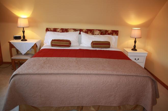 A Touch of Country B&B - Stratford - Bedroom