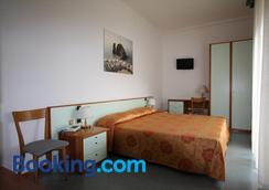Hotel Villa Adriana - Monterosso al Mare - Bedroom