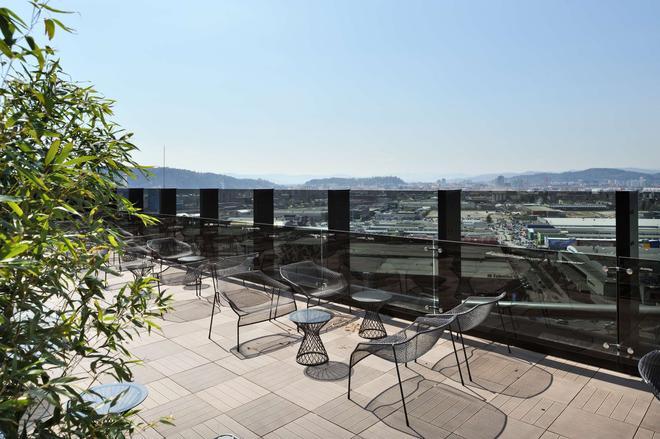 Radisson Blu Plaza Hotel, Ljubljana, Si - Ljubljana - Bar
