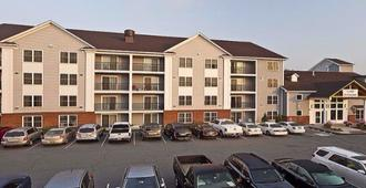 White River Inn and Suites - White River Junction