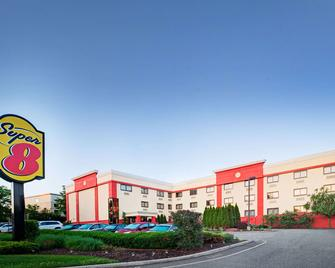 Super 8 by Wyndham Mahwah - Mahwah - Building