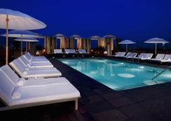Sixty Beverly Hills - Beverly Hills - Pool