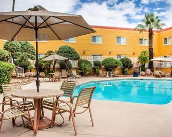 Quality Hotel Americana Nogales - Nogales - Басейн