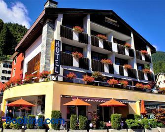 Hotel Restaurant La Furca - Disentis/Mustér - Edificio