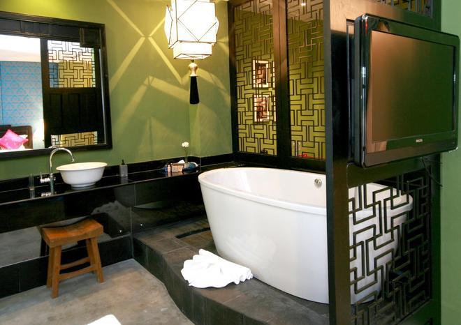Shanghai Mansion Bangkok - Bangkok - Bathroom