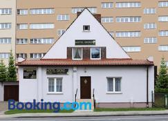 Hostel Grono - Zielona Góra - Building