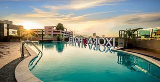Ixora Hotel - George Town - Pool