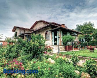 B&B Villa Garden - Saturnia - Gebouw