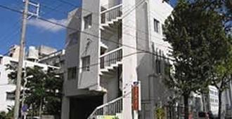 Guest House Paradise Okinawa - Naha - Building