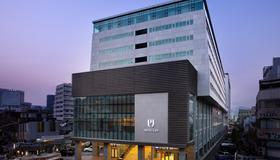 Hotel Pj Myeongdong - Seoul - Building