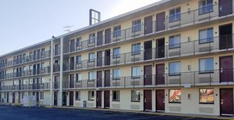 Red Roof Inn San Antonio Northeast - Rittiman Rd - San Antonio - Edificio