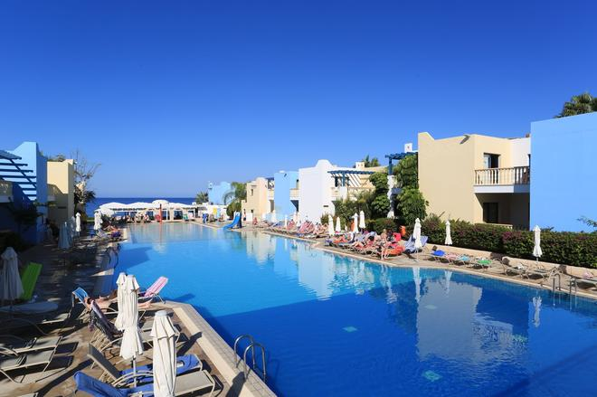 Eleni Holiday Village - Пафос - Бассейн